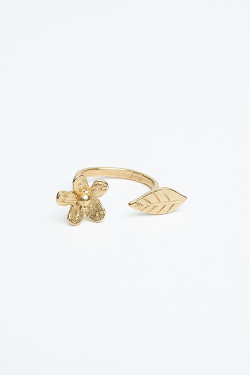 Flower and Leave Ring