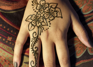 It's Graduation Season!! Do You Have Your Henna On? 1-818-468-6005