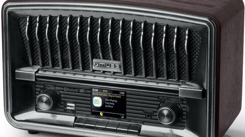 MUSE M-135 DBT RADIO STILE VINTAGE DAB+/FM RDS BLUETOOTH NFC STEREO USB TFT