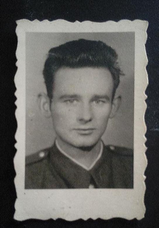 Pilecki w Wojsku.png