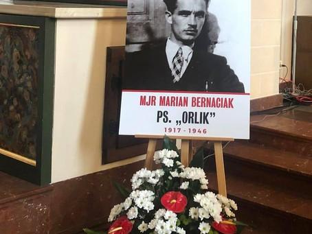 """Tablica mjr. Mariana Bernarcika """"Orlika"""""""