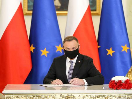 """Prezydent podpisał ustawę: """"O działaczach opozycji antykomunistycznych oraz osobach represjonowanych"""