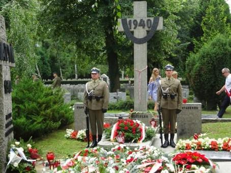 40 lat od nielegalnego postawienia pomnika katyńskiego