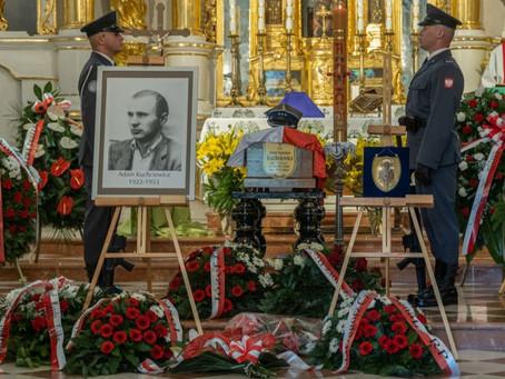 """Uroczystości pogrzebowe ppor. Adama Kuchciewicza ps. """"Wiktor"""""""