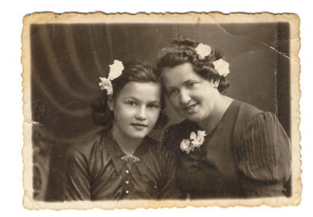 Janina z mama Święciany wrzesień 1939r. Fot. AIPN