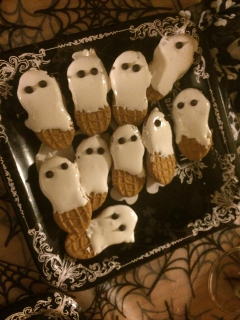 Halloween Snacks White Chocolate Nutter Butter Ghosts