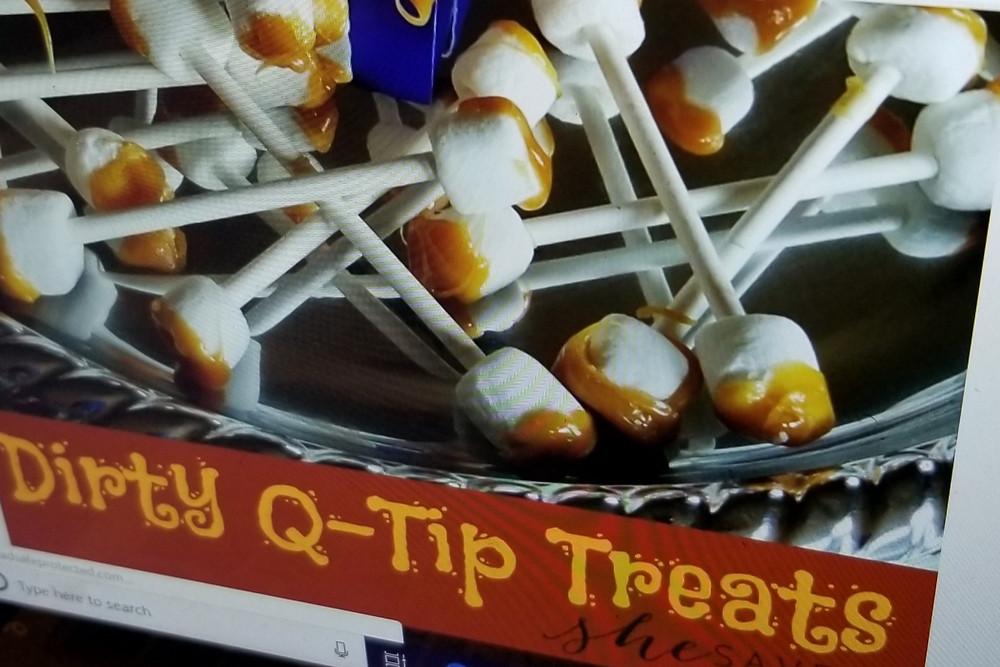 Halloween Snack Caramel Marshmallow QTips