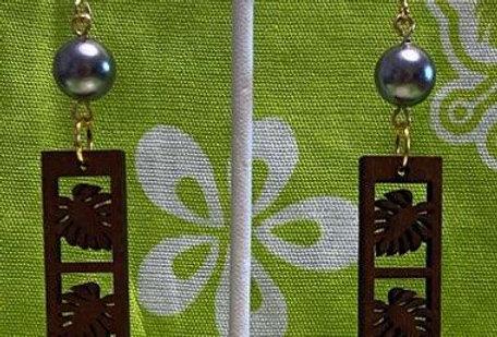 Triple Monstera Bar Sandlewood Earrings