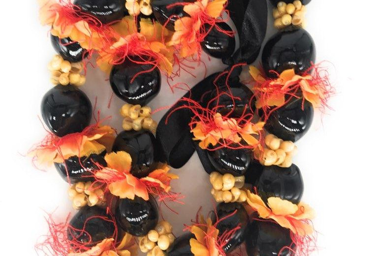 Black Kukui Nut Lei w/ Mongo Silk Flower 32in