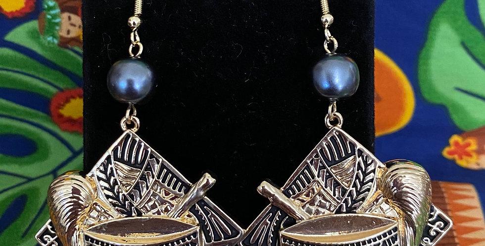 Samon Seal Diamond Earrings
