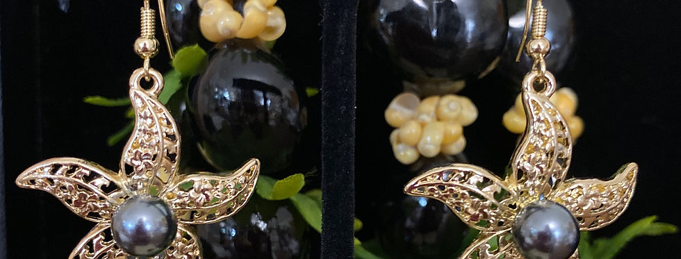 Starfish Plumeria Pearl Earrings