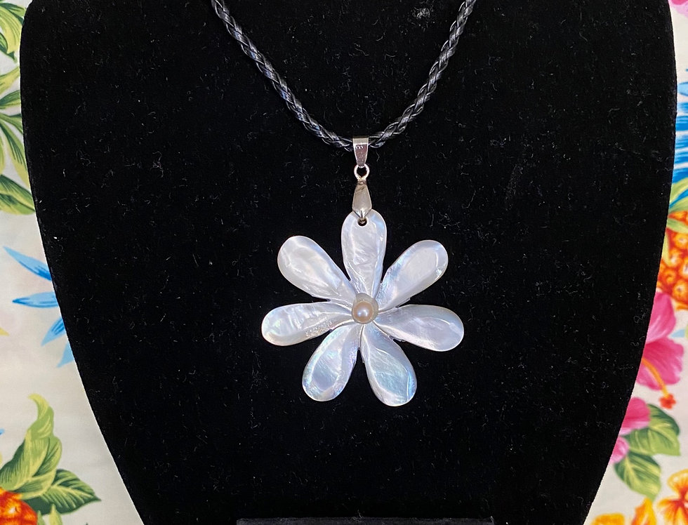 Single Tiare Mother of Pearl Shell Necklace & Optional Studs Set (20in)