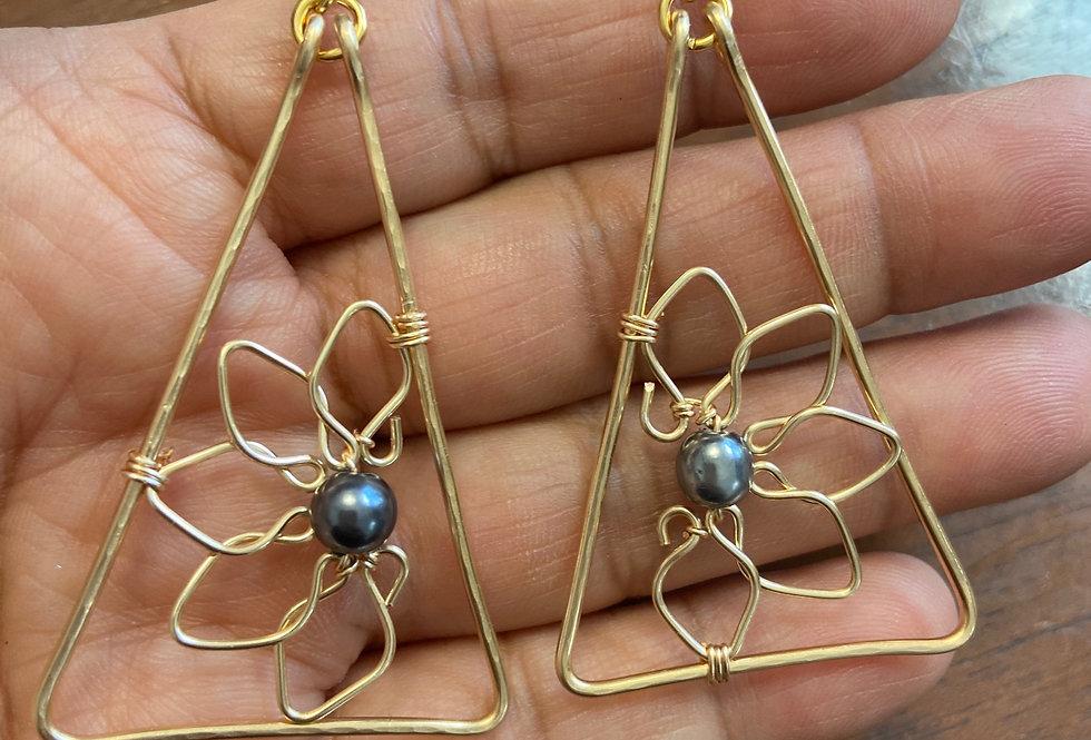 Half Flower Triangle Wire Earrings w/ Black Fresh Water Pearl