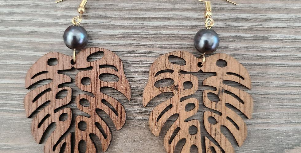 Monstera Sandlewood Earrings