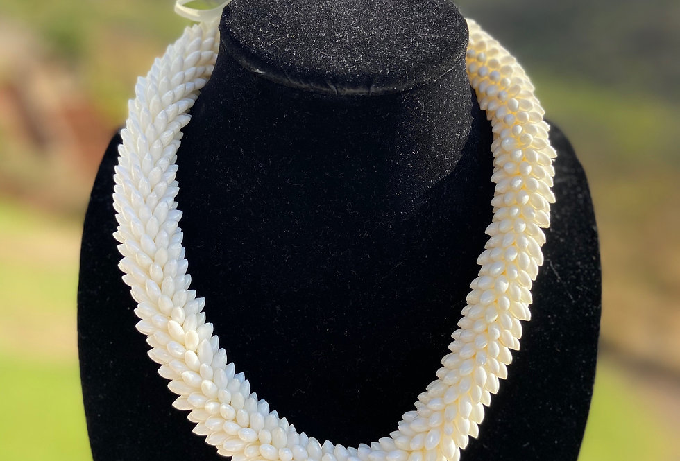 Elegant White Rice Shell Necklace (20in)