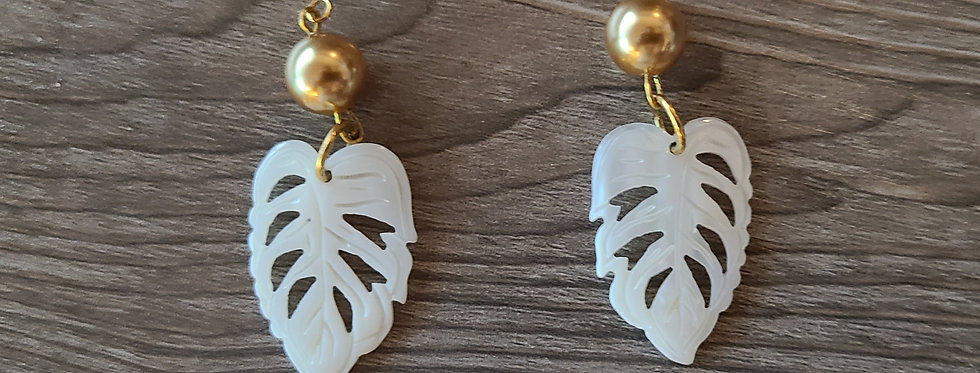 White Monstera Leaf Mother of Pearl Shell Earrings w/ Pearls