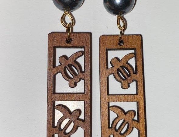 Triple Turtle Bar Sandlewood Earrings