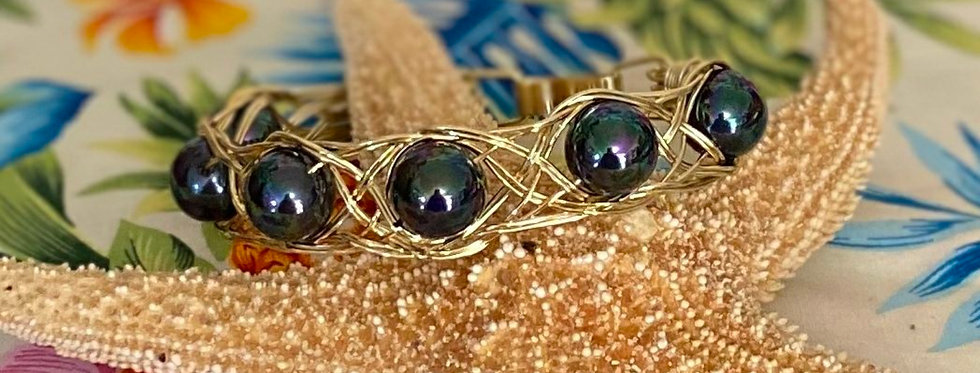 Large Mother of Pearl (Peacock Color) Wire Clasp Bangle