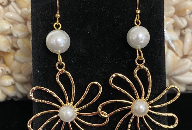 Plumeria Earrings with Center Pearl