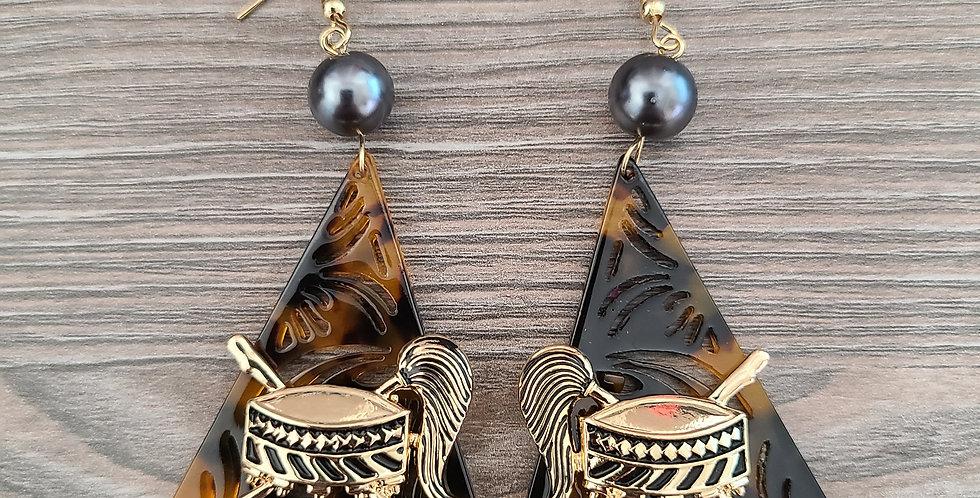 Tortoise Pattern Samoan Seal Earrings (Fake Shell)