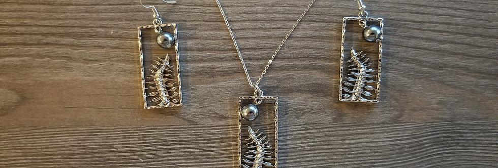 Silver Fern Hawaiian Coat Earring and Necklace Set