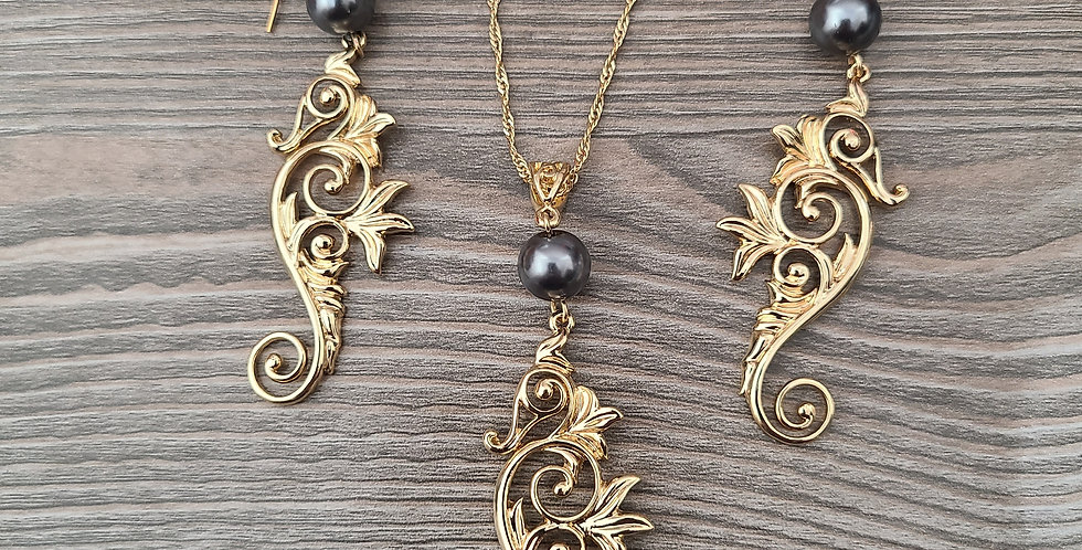 Seahorse Twisted Necklace Chain w/Pearl and Earring Set (24-26in)