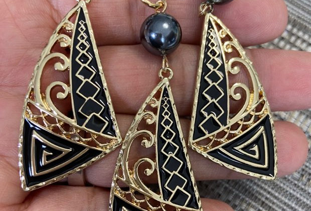 Tribal Wave Sail Earring and Necklace Set