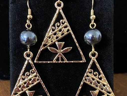 Hawaiian Flag Kanaka Triangle Earring with Waves and Necklace Set