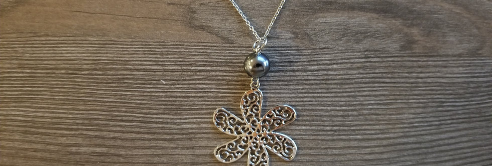 Silver Tiare Necklace