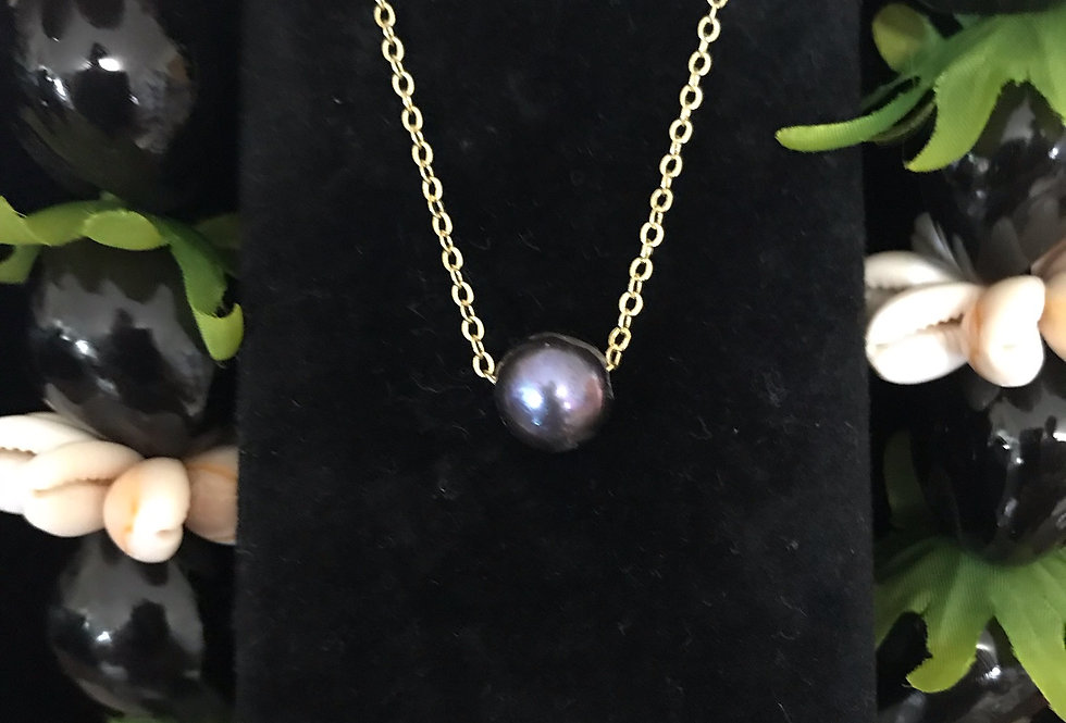 Floating mother of Pearl Necklace