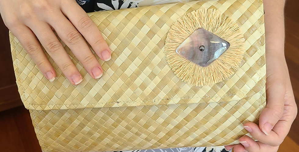 Laulaha Clutch w/ Mother of Pearl Shell and Raffia