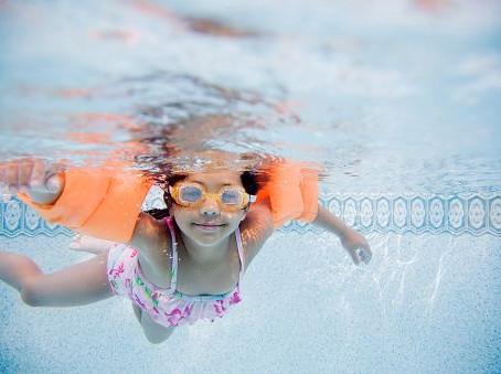 Prepara el traje de baño y disfruta de actividades en las albercas de Sport City