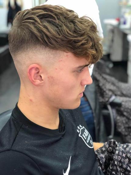 haircut for men at mac's hair and beauty