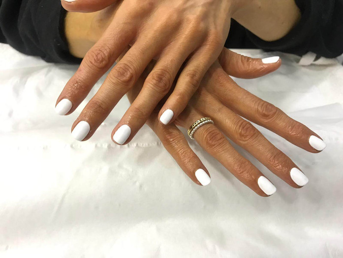 nail manicure - mac's hair and beauty.JP