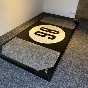 Custom weightlifting platform