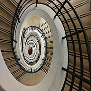 zioda-nilo-stairs-2339856_1920-pixabay.j