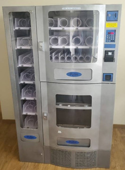 Seaga Office Deli Vending Machine like new