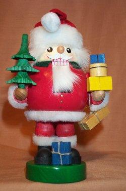 Santa with Presents 12640