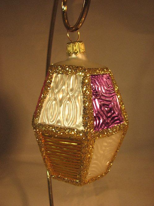 Large Lantern  A07/5C