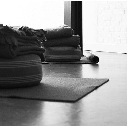 Yoga nidra_ademwerk_bedrijfsyoga_bodymon