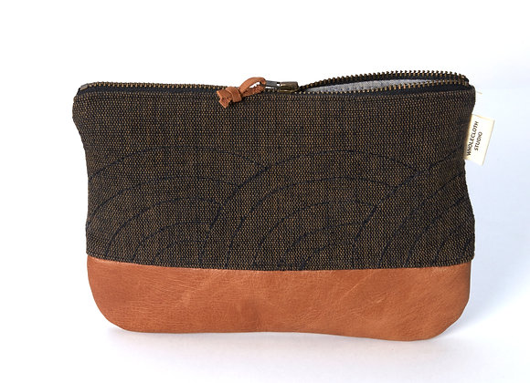 Small Fan Clutch in Black-Brown