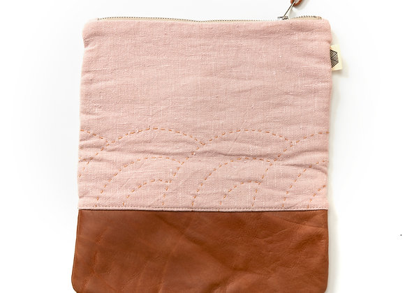 XL Fan Clutch in Pale Pink