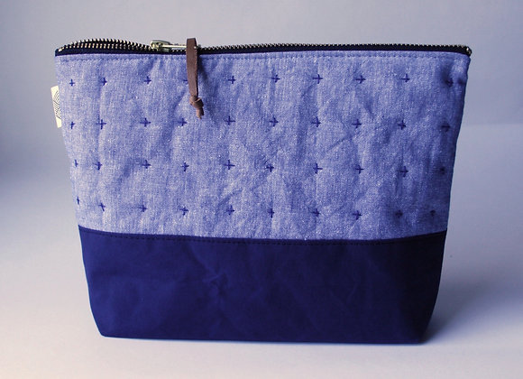 Plus Zipped Pouch in Chambray and Navy