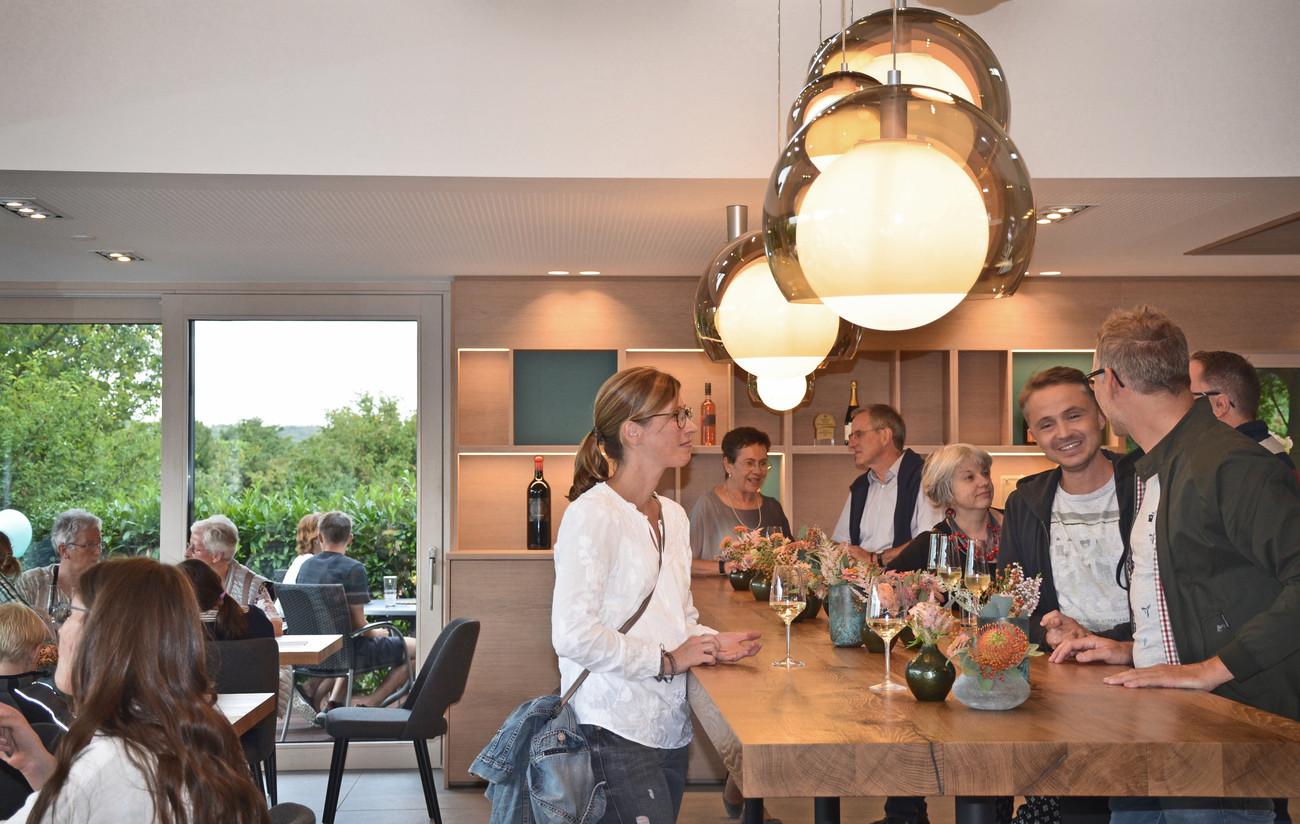 Eröffnung Weinkiste Weingut Acker Martinushof