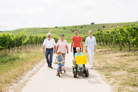 Familie Acker | Weingut Acker Martinushof