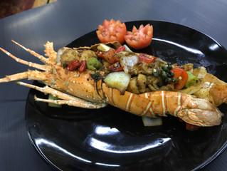 กุ้งมังกรผัดพริกไทดำ