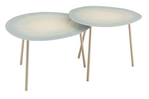 Conjunto de 2 mesas de apoio com pés em metal