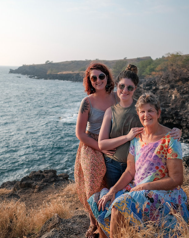 family in kona.JPG