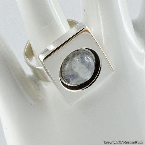 Srebrny pierścionek moonstone