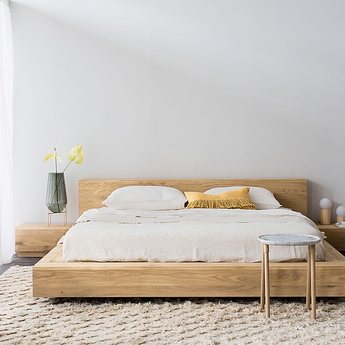 French Oak Bed.png